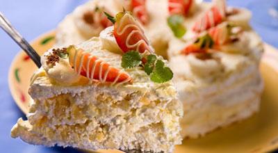 Торт «Воздушный» с орехами