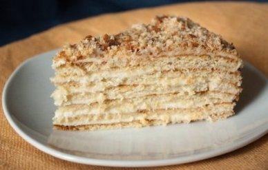 Торт «Наполеон с ореховым безе»