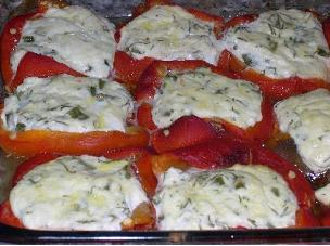 Болгарский перец с творожно-луковой начинкой, запеченный в духовке