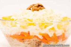 Слоеный салат с мясом и апельсином