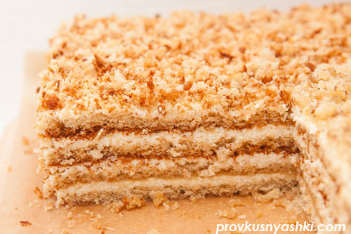 Торт «Бисквитно-медовый с кремом на манке»