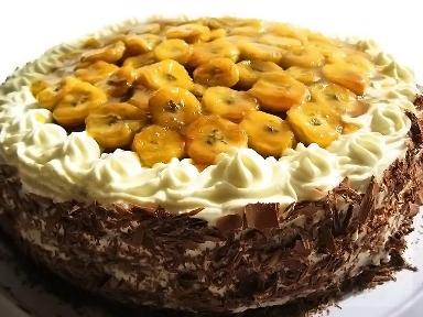 Торт «Бисквитный с банановым кремом и начинкой»