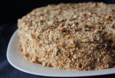 Торт «Медовый с грецкими орехами»