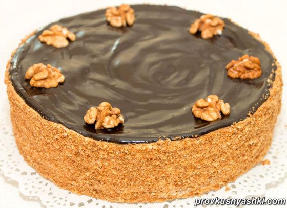 Медовый торт с орехами и шоколадным верхом - Очень вкусный рецепт!
