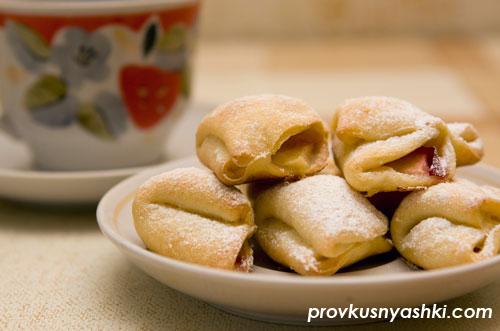 Печенье из творожного теста с яблочной начинкой